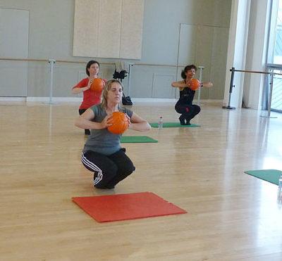 L'aéro-stretching Sollicitent Tous Les Muscles En Longueur Sans Les épaissir