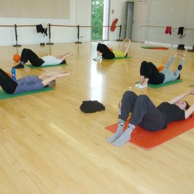 L'Aéro-stretching Est Une Activité Sportive Qui S'adresse à Tous.