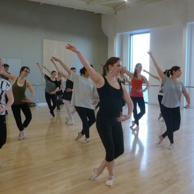 La Danse Classique C'est Aussi L'approche Du Rythme Avec L'écoute Musicale