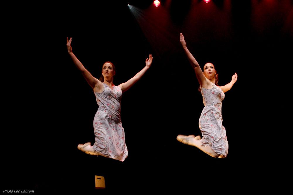 chaque cours de danse propose une ou plusieurs chorégraphies.