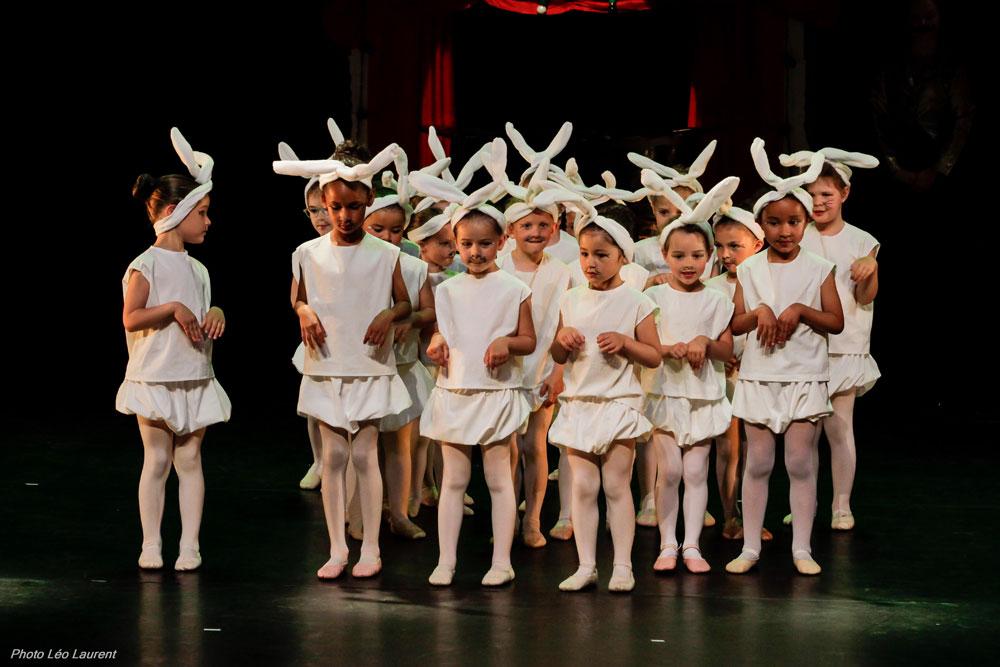Les jeunes élèves de l'Ecole de danse de Vitré lors du Gala de danse